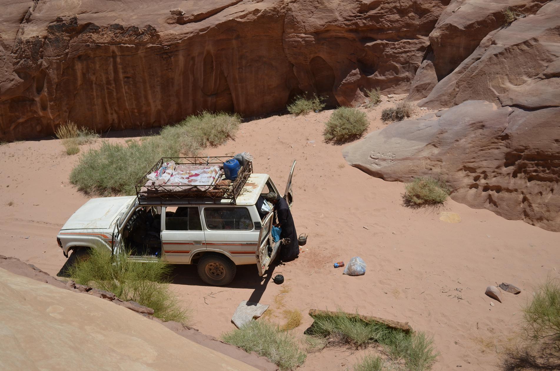 Bivouaquer dans le désert du Wadi Rum